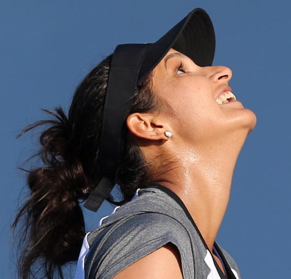 The Biofile: Sania Mirza Interview · Tennis-Prose com